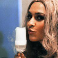 rokende-cocktail-meisje